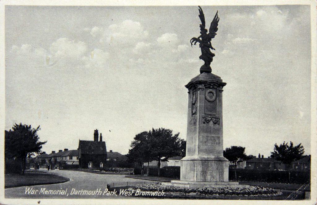 War memorial 1930s